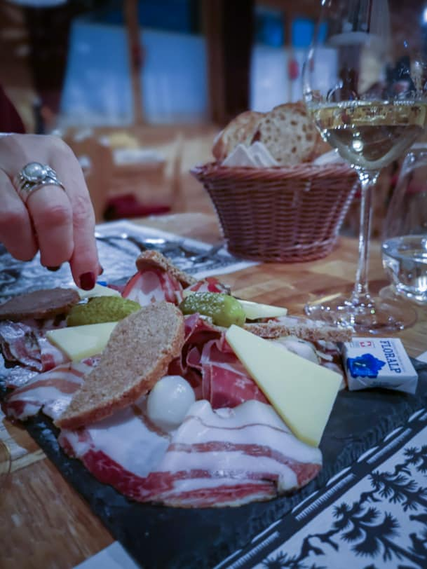 Walliser Teller im Restaurant Carnotzet L'Aigle