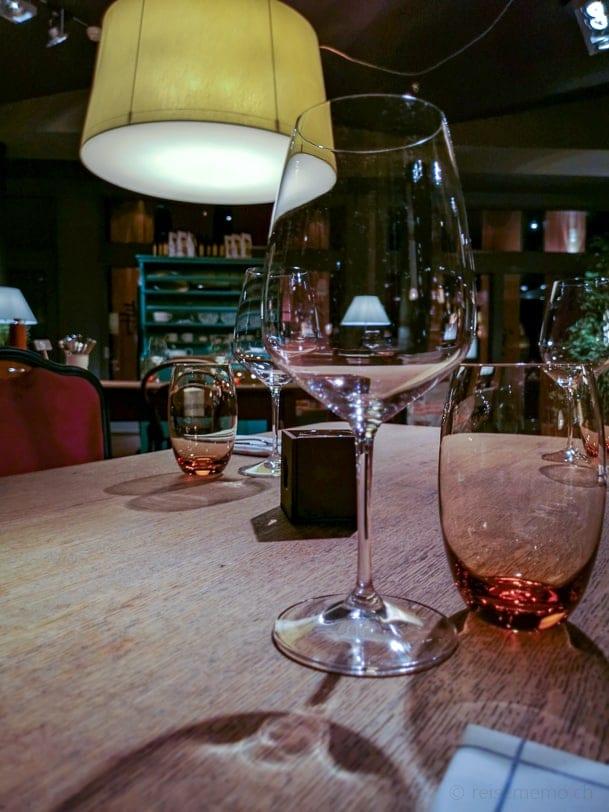 Weinglas in der Gummelstube