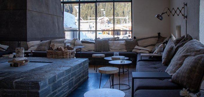 Kamin und Lounge im Güterschuppen Arosa