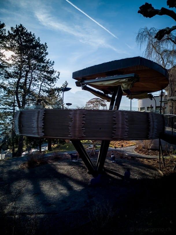 Adlernest im Garten des Park Hotel Sonnenhof in Vaduz