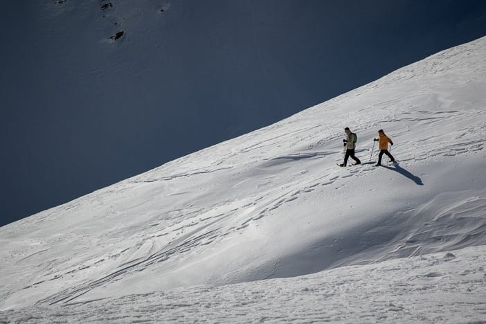 Schneeschuh-Wanderer auf dem Pizol