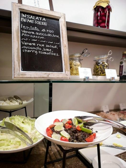 Insalata Benessere zum Frühstück im Hotel Il Castelfalfi, Toscana