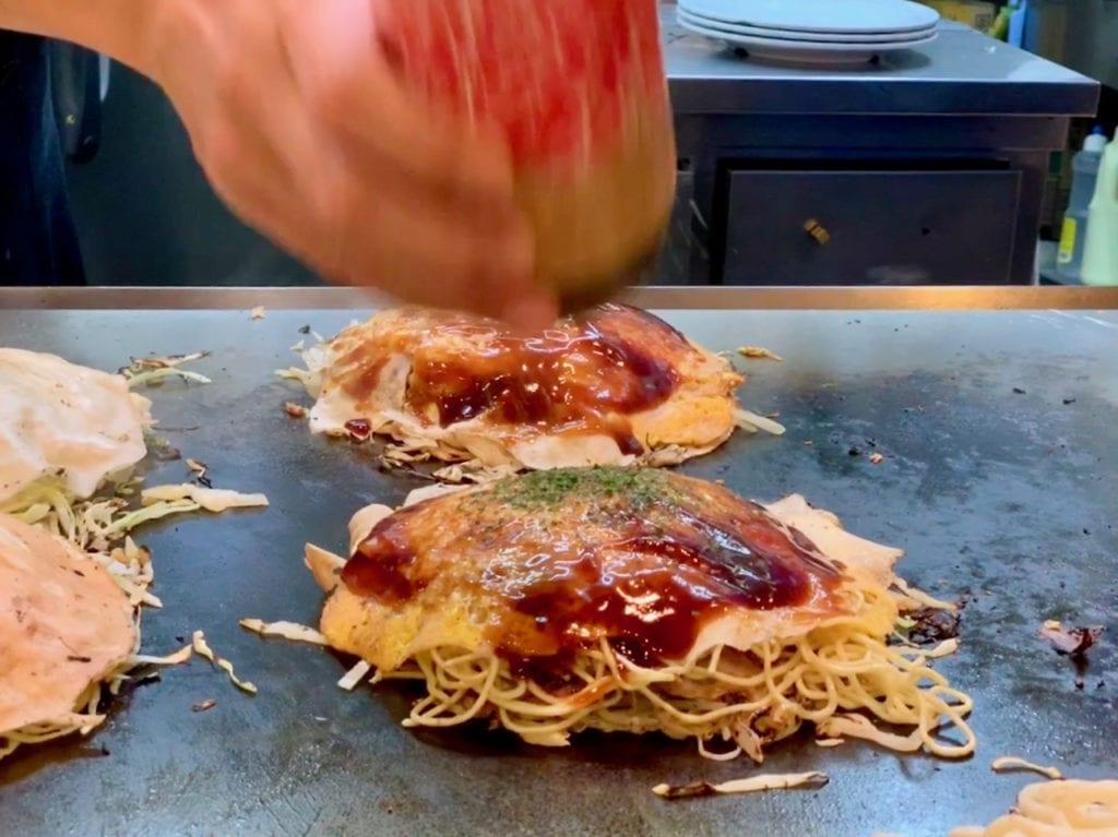 Die fertigen Okonomiyaki
