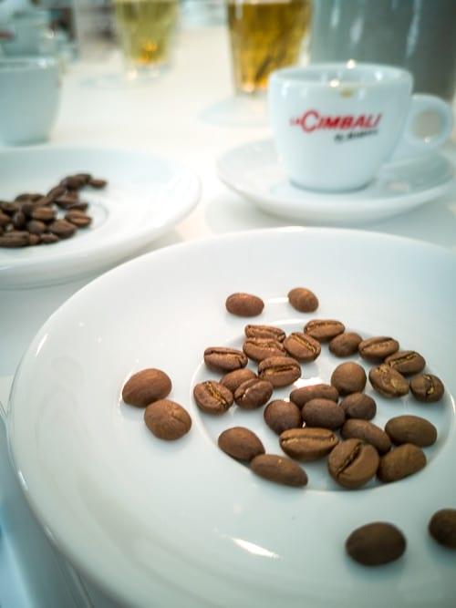 Robusta und Arabica Kaffeebohnen
