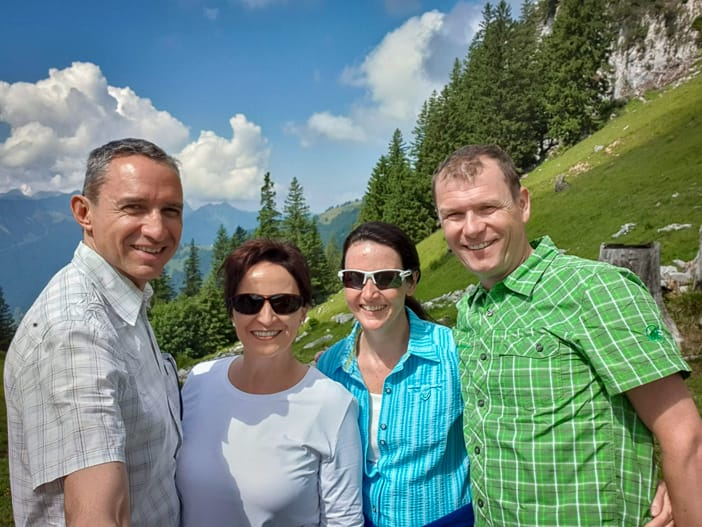 Walter, Katja, Conny und Mario (v.l.n.r.) auf dem Hasenboden Höhenweg Amden
