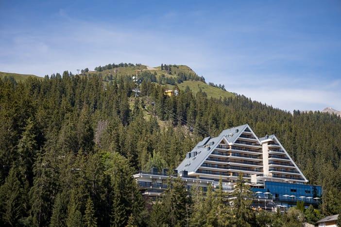 Hotel Crans Ambassador oberhalb von Crans-Montana