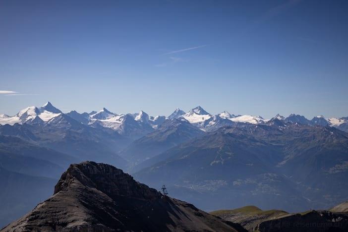 Aussicht von Plaine Morte auf Weisshorn, Matterhorn, Dent Blanche, Mont Blanc