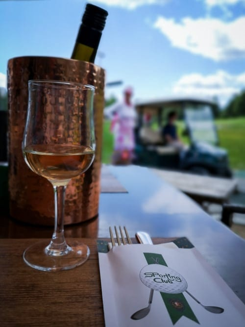 Restaurant Sporting Club bei Loch 18 des GC Crans-sur-Sierre