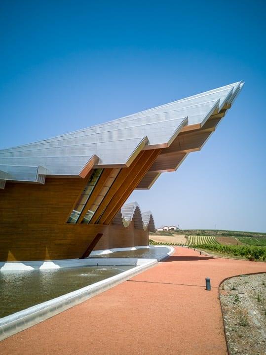 Vordach der Ysios Weinkellerei, Architektur von Santiago Calatrava