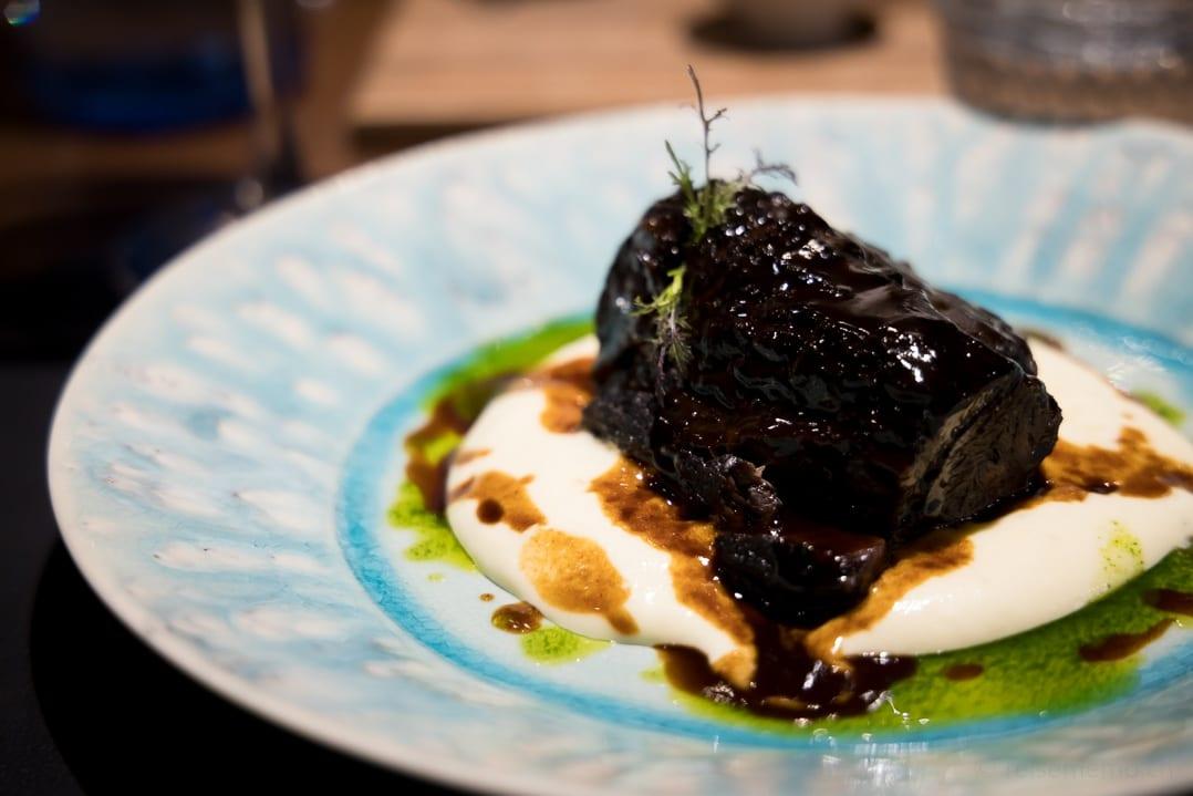 Mit Trüffelkartoffeln gefüttertes iberisches Schwein im Patri Restaurant Bilbao
