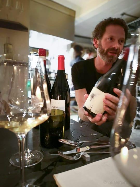 Sommelier und Weinhändler Paul Blume im Restaurant Mémoire