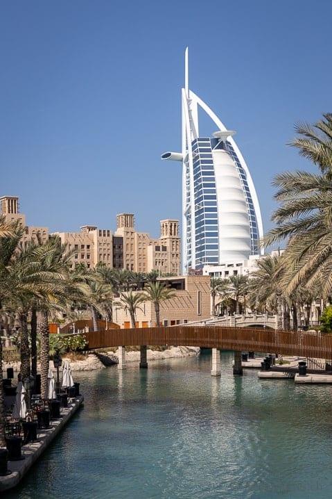 Das Burj Al Arab Hotel in Dubai
