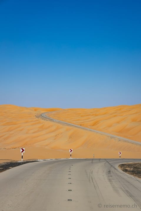 Landstrasse zum Qasr Al Sarab Hotel