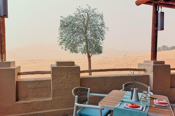Aufkommender Sandsturm im Qasr Al Sarab Wüstenresort