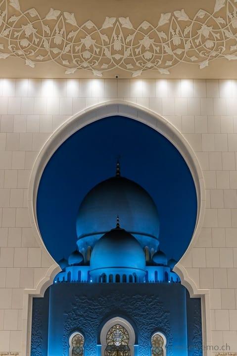 Hauptkuppel der Scheich-Zayid-Moschee