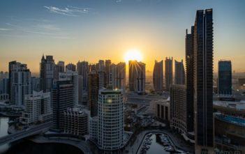 Sonnenaufgang über der Dubai Marina