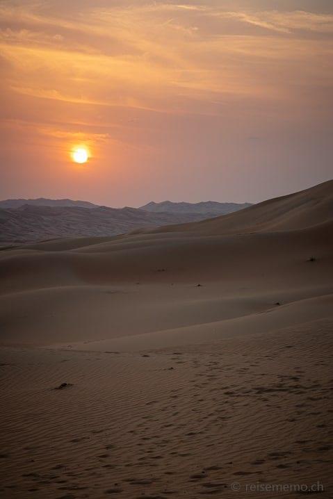 Sonnenuntergang über der Liwa-Wüste