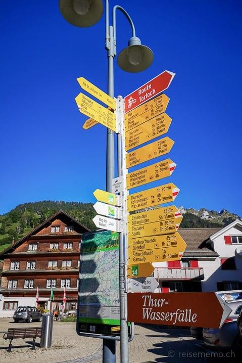 Alt St. Johann, https://reisememo.ch/schweiz/graeppelensee-wanderung-toggenburg, Thur Wasserfälle, Wegweiser