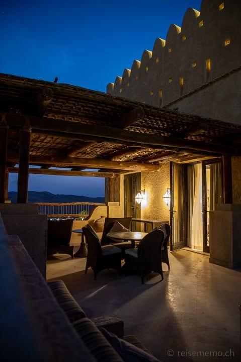 Suite mit Terrasse und Aussicht in die Oase Liwa
