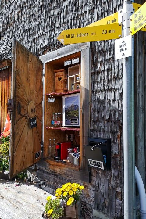 Verpflegung Gubel mit kleinem Kiosk für Wanderer