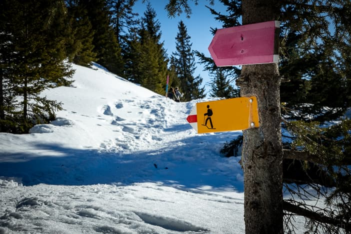 Wanderwegweiser der Winterwanderung Carì