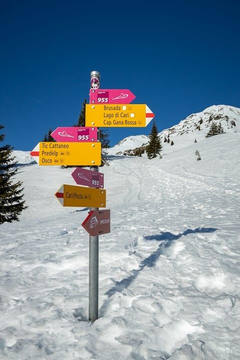 Wegweiser der Carì Schneeschuhwanderung