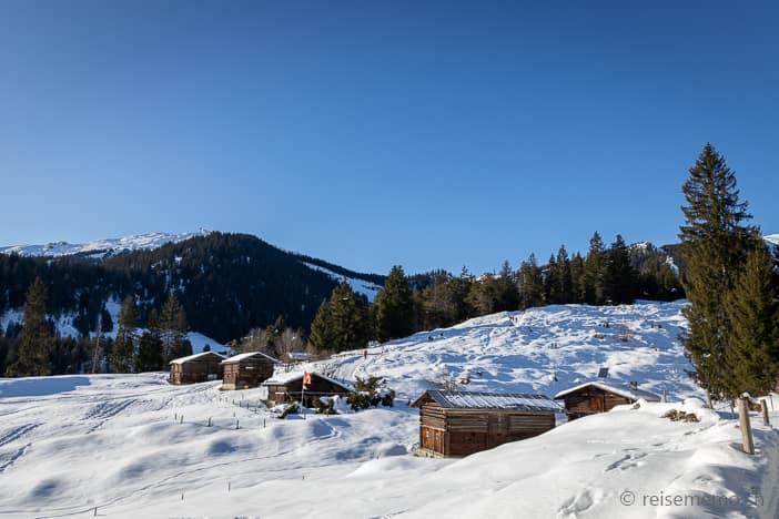 Chalets Winterwanderung Flims - Foppa - Runcahöhe - Flims