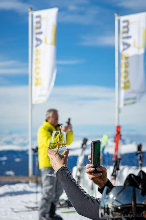 Hugo: Drink im Rampenlicht des Rossalm Bergrestaurants
