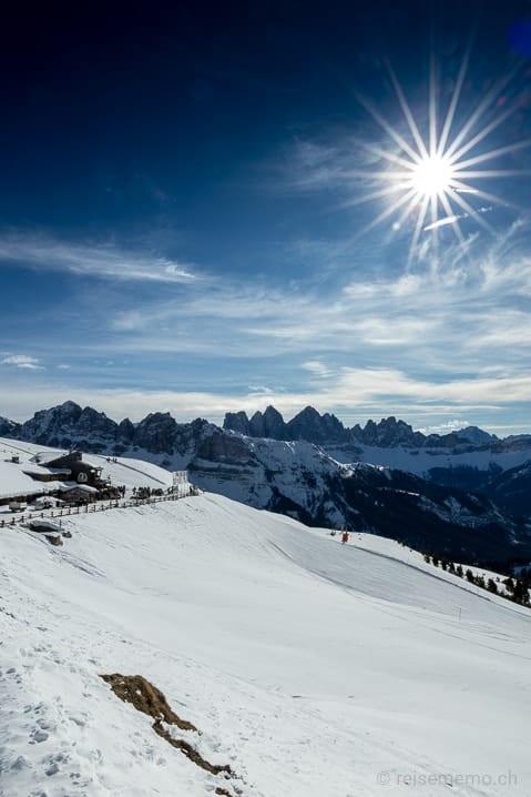Anmarsch zum Bergrestaurant Rossalm mit Dolomiten-Panorama