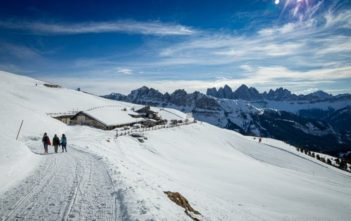 Bergrestaurant Rossalm mit Dolomiten-Panorama
