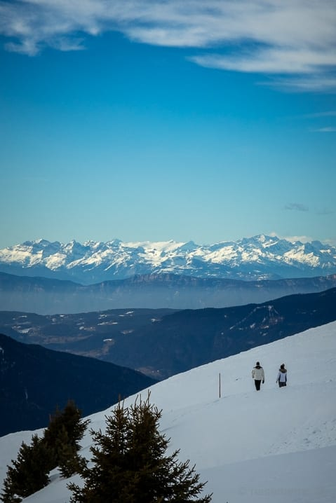 Winterwanderer auf dem Dolomiten Panoramaweg