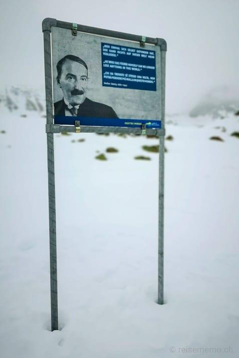 Philosophenweg auf dem Muottas Muragl, Stefan Zweig: Wer einmal sich selbst gefunden hat, der kann nichts auf dieser Welt mehr verlieren.