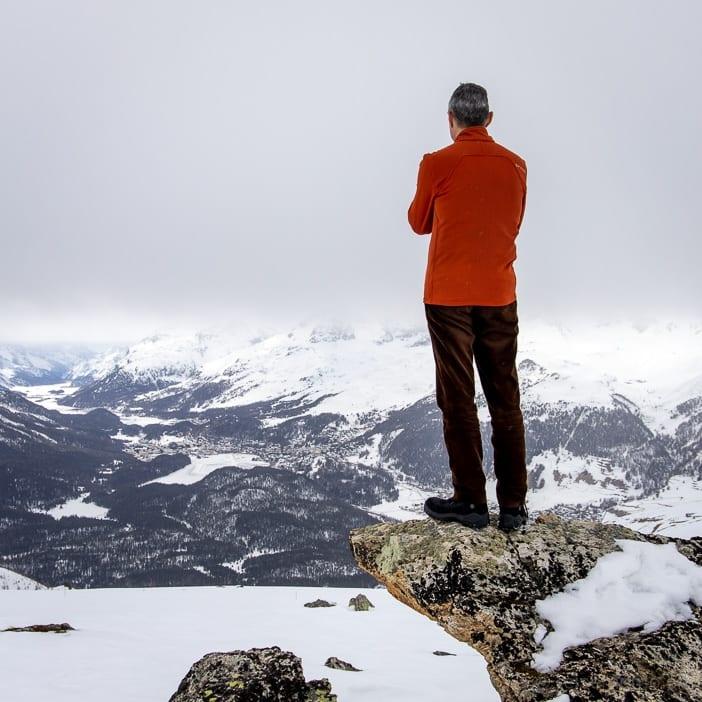 Walter mit Aussicht auf die Engadiner Seenplatte