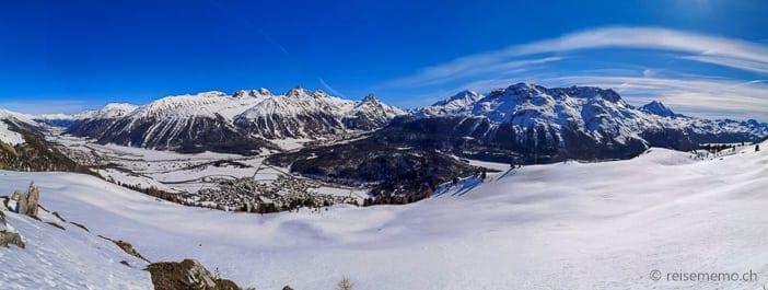 Panoramaaussicht auf Celerina, Samedan und Pontresina