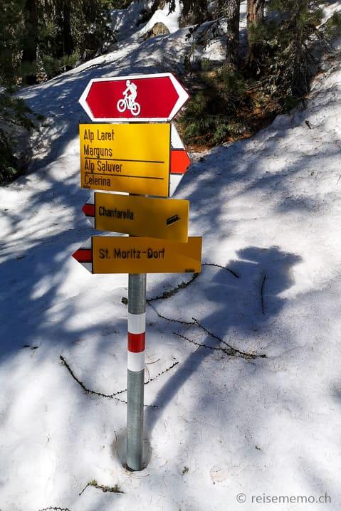 Wegweiser Winterwanderung St.Moritz/Chantarella