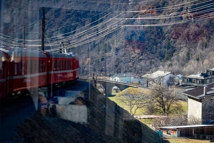 Bernina Express: Spektakulärer Bahnviadukt bei Brusio