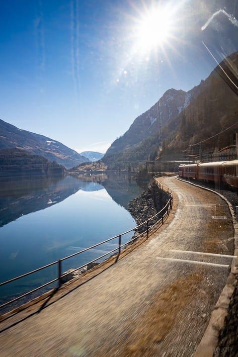 Bernine Express Zugskomposition am Lago di Poschiavo