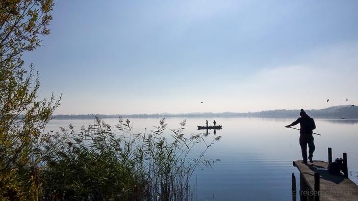Landungssteg und Fischer auf dem Pfäffikersee Rundwanderung