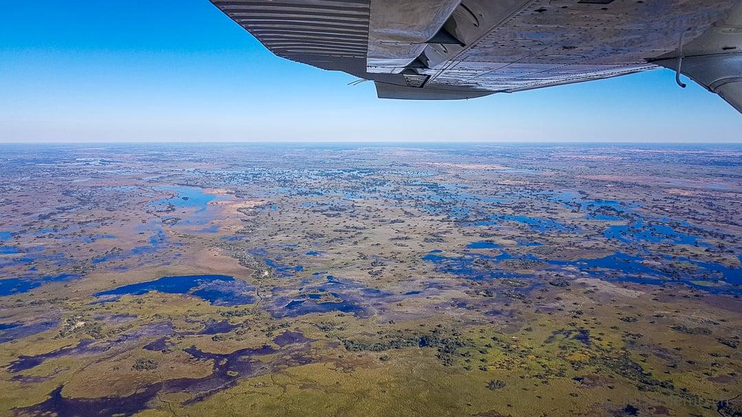 Ausblick auf das Okavango Delta von einer Cessna-Flugsafari