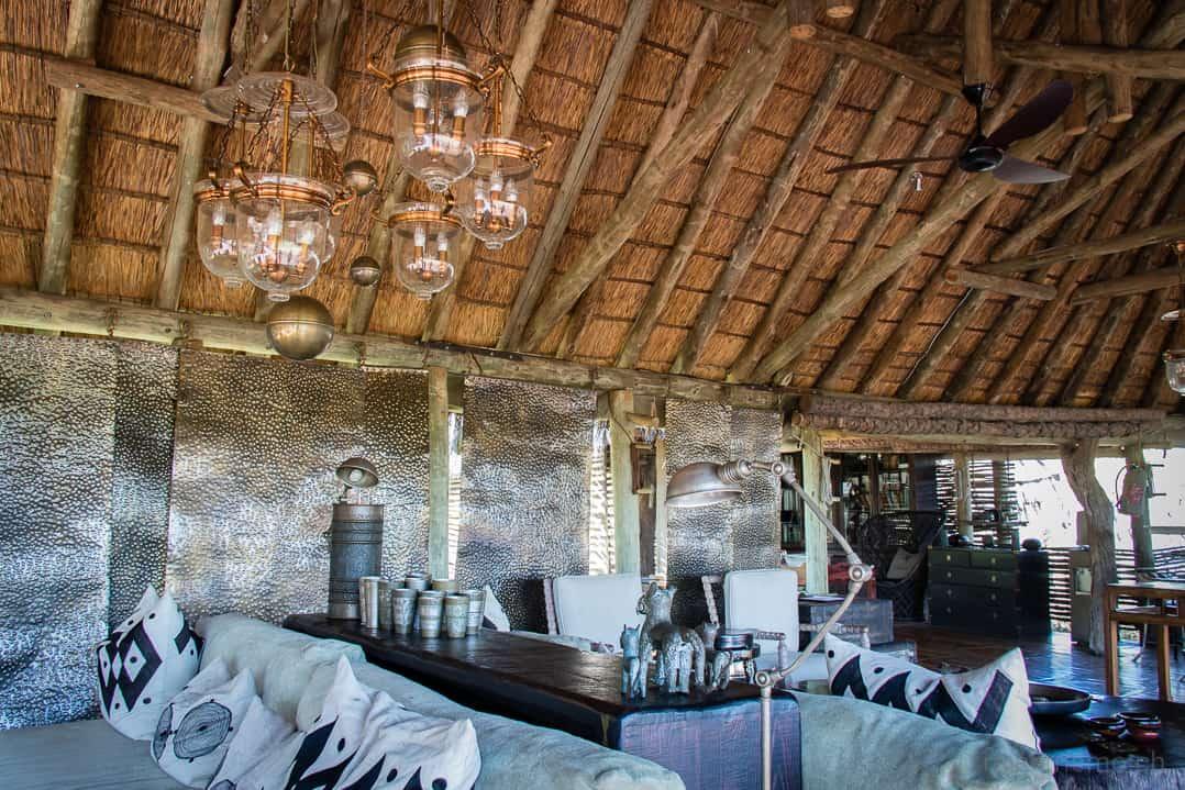 Lounge des Mombo Camps von Wilderness Safaris