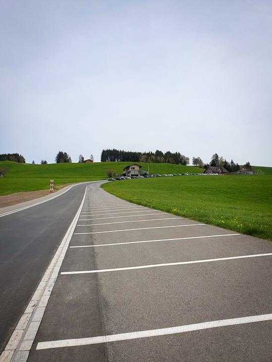 Parkplatz bei Büel oberhalb von Schindellegi