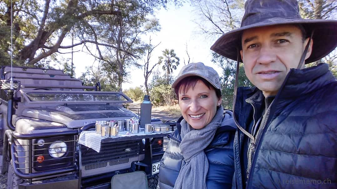 Katja und Walter beim Sundowner des Tubu Tree Camps