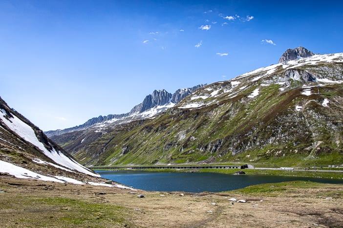Graubünden, Oberalppass, Oberalpsee, https://reisememo.ch/schweiz/wanderung-oberalppass-maighelshuette-tomasee