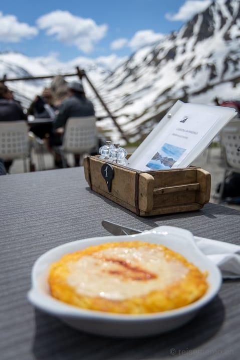 Camona da Maighels, Graubünden, Maighels Hütte, Rösti, Speisekarte, überbacken