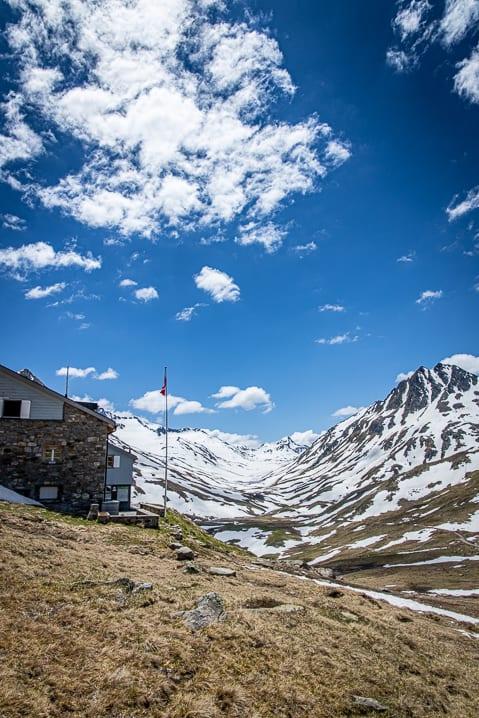 Camona da Maighels, Graubünden, Maighels Hütte, https://reisememo.ch/schweiz/wanderung-oberalppass-maighelshuette-tomasee