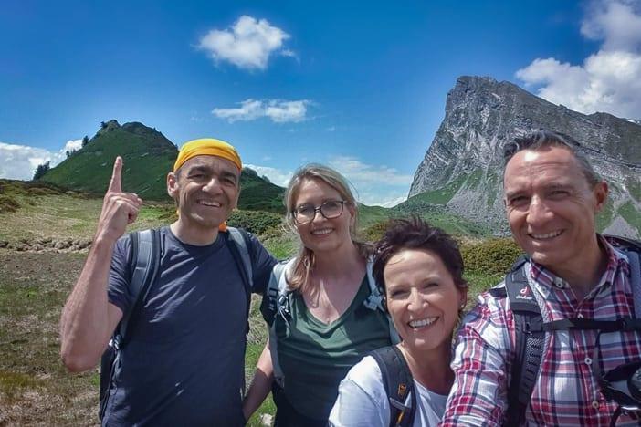 Wanderung auf der Route des Staunens auf dem Malanser Älpli