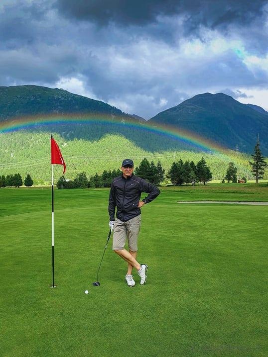 Walter unter dem Regenbogen von Golf Samedan