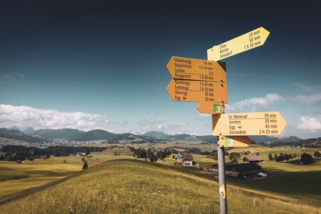 Wanderwegweiser Chörnlisegg, Stöcklichrüz und St. Meinrad