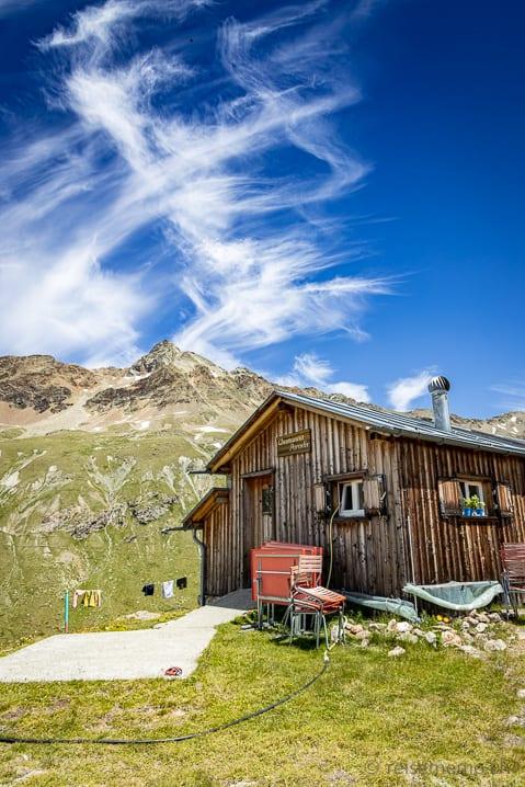 Paradis Hütte vor dem Piz Languard