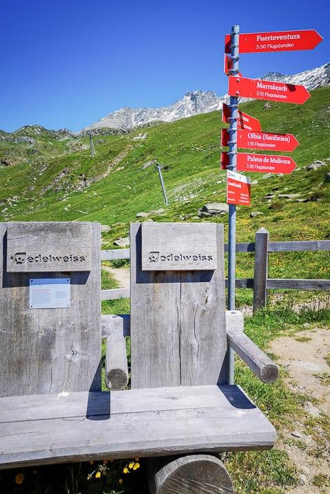 Edelweiss Air Sitzbank am Furtschellas